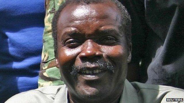 Dossier photo de Joseph Kony de 2008
