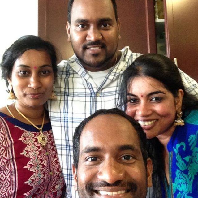 2016ஆம் ஆண்டு தனது சகோதர, சகோதரிகளை உமேஸ்வரன் சந்தித்தபோது எடுத்த படம்