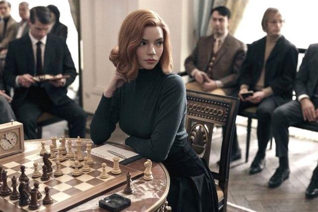 Anya Taylor-Joy en el papel de beth Hamon en Gambito de dama.