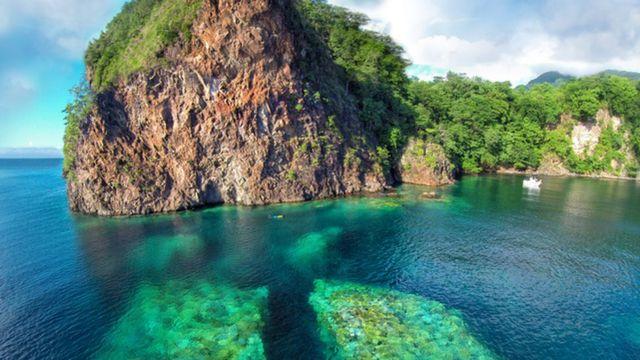 Bahía en Dominica.