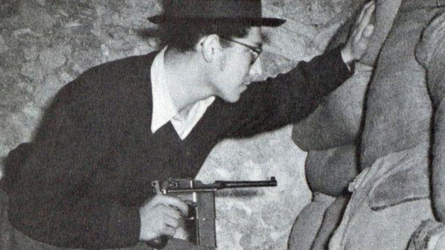 ১৯৪৮ সালে ইসরায়েলের স্বাধীনতা যুদ্ধ শুরুর আগে ইহুদী মিলিশিয়া বাহিনী 'হাগানাহ'র এক যোদ্ধা।