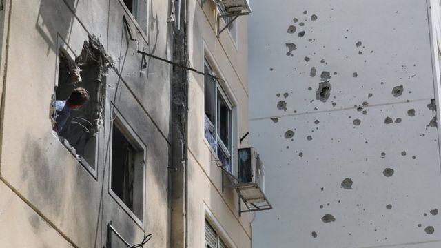 عدة صواريخ أطلقت على مدينة عسقلان الجنوبية.
