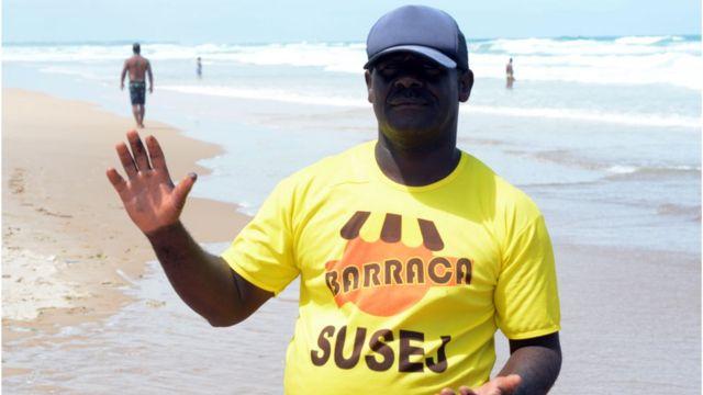 Pelotas de petróleo em Salvador
