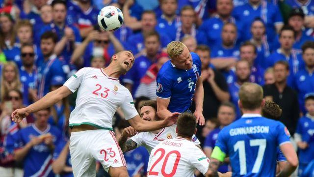 Partido muy disputado entre Islandia y Hungría