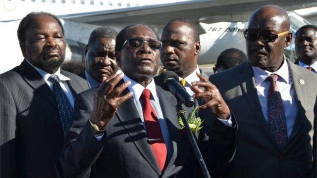 Prezida wa Zimbabwe Robert Mugabe muri ivyo birori