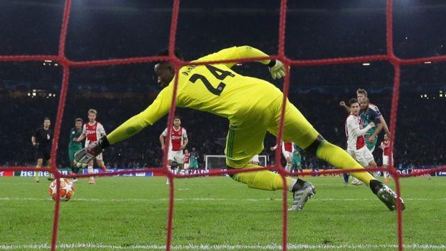 Lucas Moura scores against Ajax