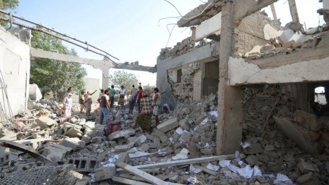 دمار شامل للعديد من المباني المستهدفة في اليمن