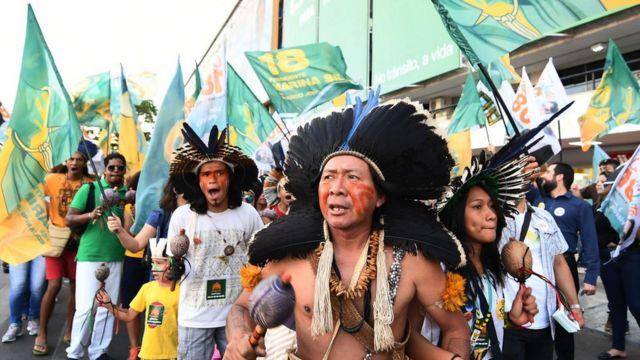 Manifestación indígenas Brasil.
