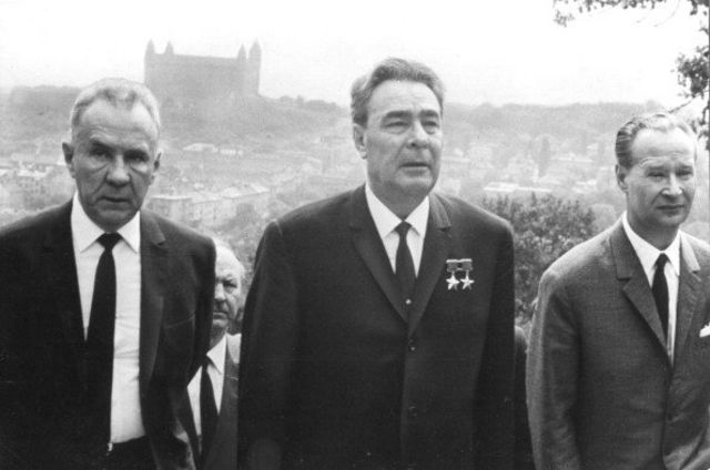 Brezhnev và Dubcek