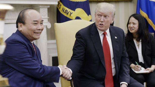 Thủ tướng Nguyễn Xuân Phúc gặp Tổng thống Donald Trump tại Nhà Trắng hôm 31/5/2017.