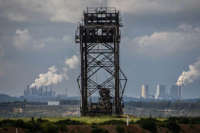 Centrales eléctricas impulsadas por la mina de Hambach.
