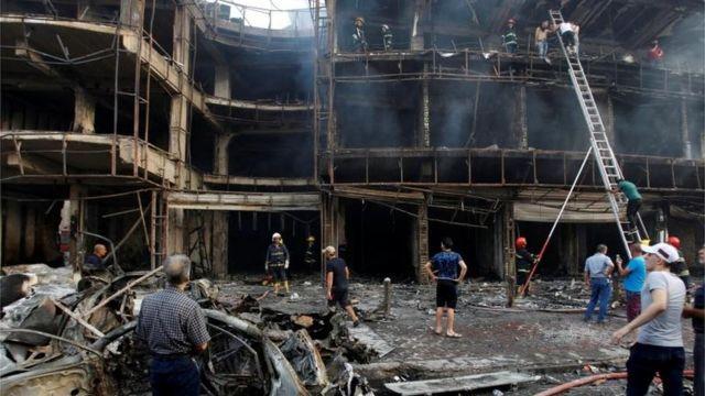 O ataque ocorreu no distrito de Karrada, Bagdá, enquanto famílias realizavam compras para o fim do Ramadã