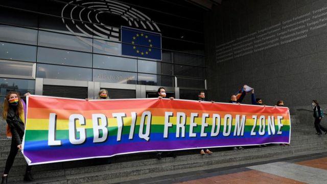 Європарламент засудив курс Варшави на боротьбу з ЛГБТ