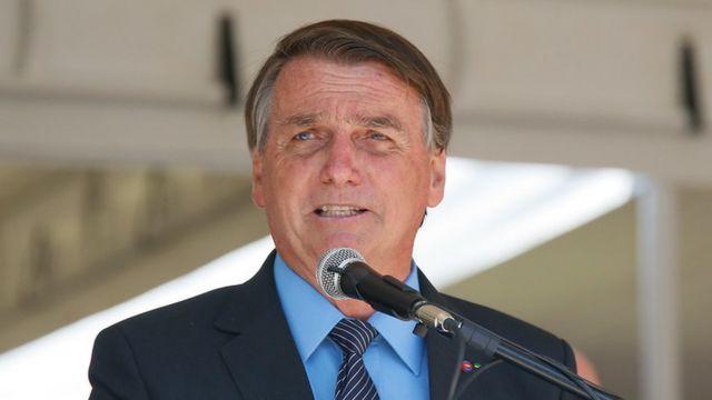 Bolsonaro disse que, por ele, o Brasil 'nunca' adotaria o 'lockdown'