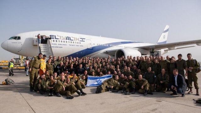 Soldados israelenses que viajam ao Brasil para ajudar nas buscas em Brumadinho