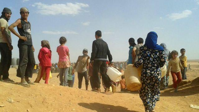 أغلب اللاجئين على الحدود الأردنية السورية من النساء والاطفال