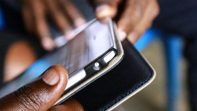 Simu aina ya smartphone ilitengezwa ili kumwezesha mtumiaji wake.