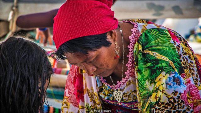 库纳雅拉的女性享有很高的地位。
