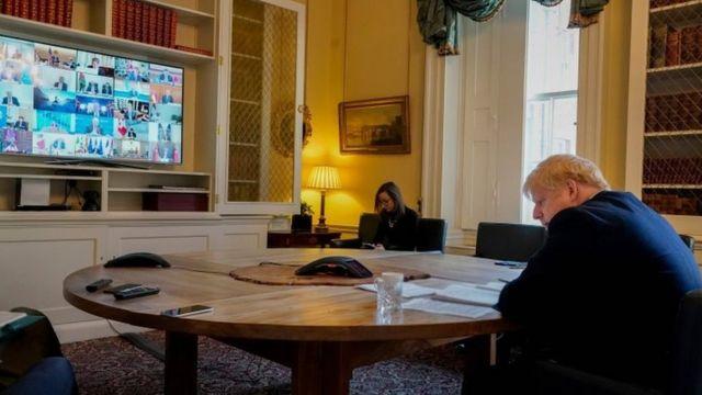 3月26日,约翰逊首相通过视频连线参加20国集团的特别峰会。