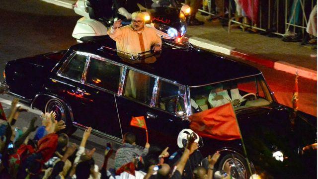 الملك محمد السادس في مسيرة في ذكرى المسيرة الخضراء - عام 2015
