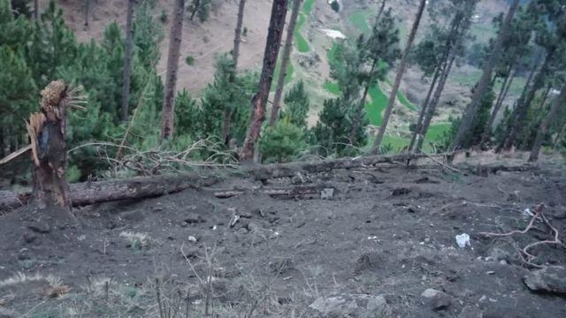 نشرت باكستان صورا تقول إنها تظهر الأضرار التي تسبب بها القصف الهندي