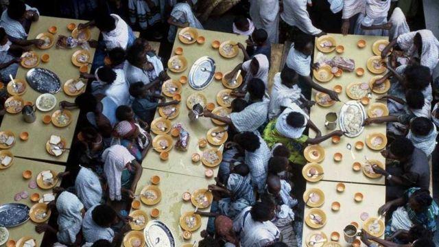 Etiopljani se hrane na brodu izraelske mornarice
