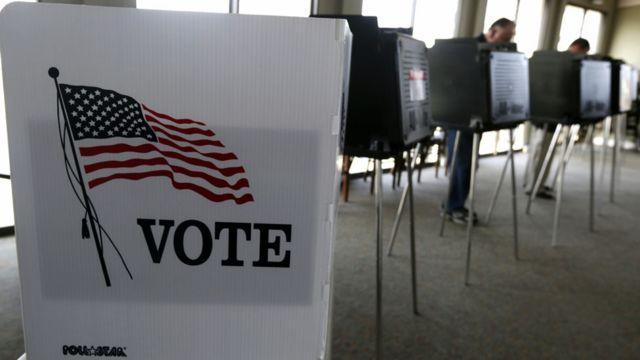 عملية التصويت في ولاية إلينوي.