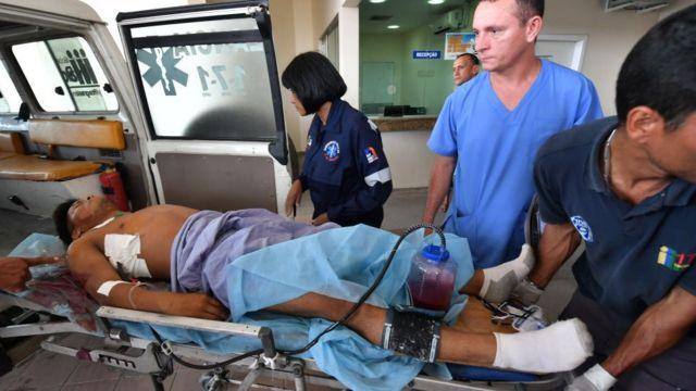 Một trong những người bị thương trong cuộc đụng độ với quân đội tại biên giới Venezuela-Brazil