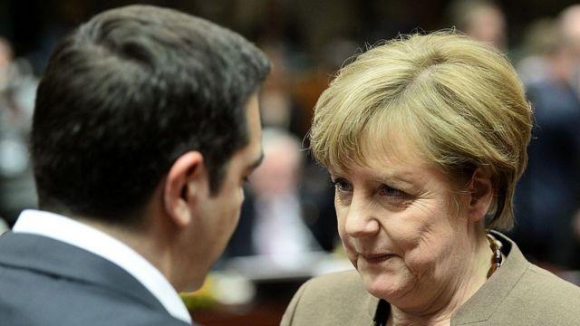 Merkel y Alexis Tsipras en una cumbre europea.