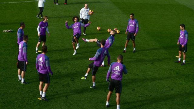 جانب من تدريبات ريال مدريد استعدادا لمباراة السبت