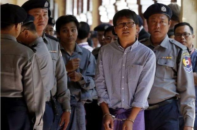จอ โซ อู (กลางซ้าย) และ วา โล (กลางขวา) ถูกจับเมื่อเดือนธันวาคมปีที่แล้ว