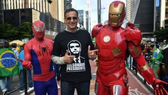طرفداران آقای بولسونارو او را سوپرمن میدانند