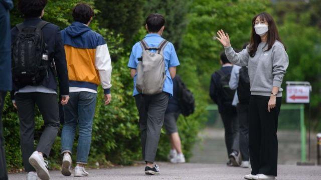 ကိုရီးယားက စာသင်ကျောင်းတွေကို မေ ၆ ရက်က ပြန်ဖွင့်ထားပါတယ်။