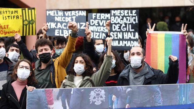 Boğaziçi Üniversitesi öğrencilerine destek amacıyla birçok üniversitede eylemler gerçekleştirildi.
