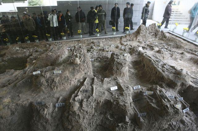 Nanjing Memorial Hall - victims' bones