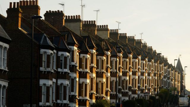 Warning as household debts rise to top £1.5 trillion