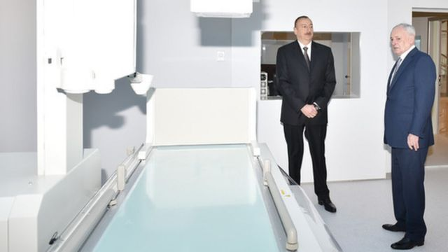 Prezident Əliyev 2016-cı ilin aprel ayında Mərkəzi Rayon Xəstəxanasının açılışnda iştirak edib