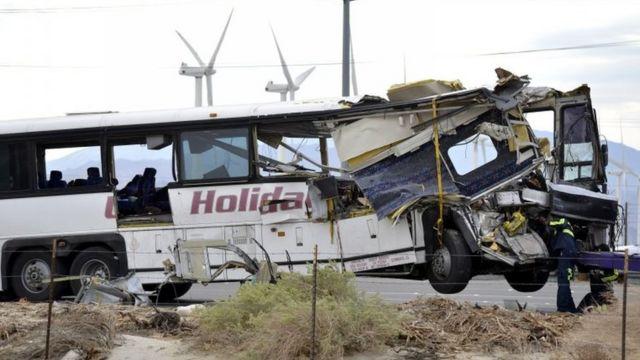 टूर बस दुर्घटना