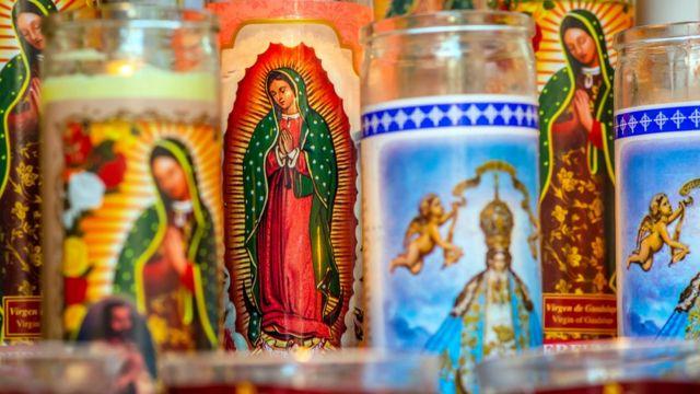 Velas com imagem de Nossa Senhora de Guadalupe