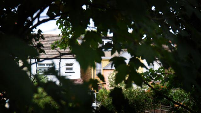 Casas com jardins