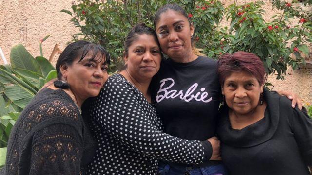 Esmeralda Millán con su tía, mama y abuela (izquierda a derecha).