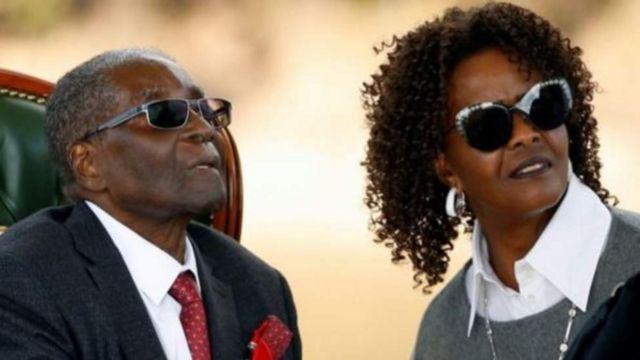 Mugabe n'umukenyezi wiwe Grace bakeje intsinzi ya Perezida Emmerson Mnangagwa