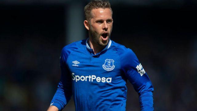 Gylfi Sigurdsson, l'homme du match Everton-Manchester United, a marqué un but et joué un rôle décisif dans l'un des trois autres des Toffees.