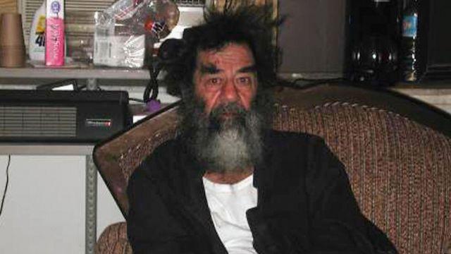 Yakalanmasının ardından Saddam Hüseyin
