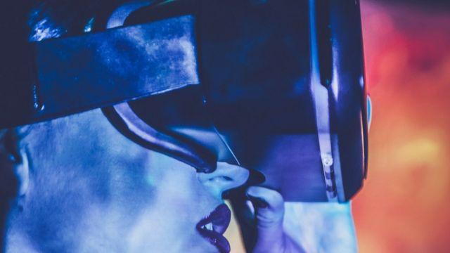 capacete de realidade virtual