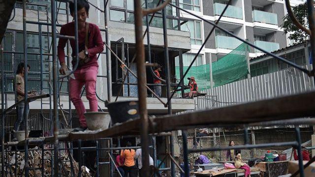 คนงานก่อสร้าง