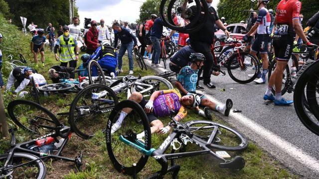 Cumartesi günkü kazada onlarca sporcu yaralandı.