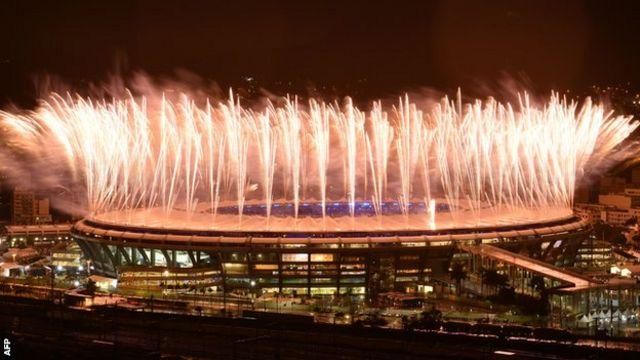 マラカナン競技場から上がった花火