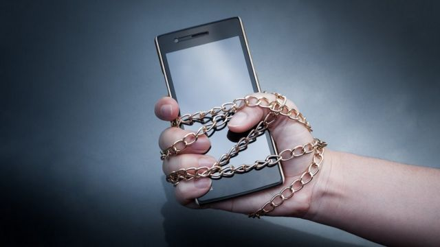 Lock chain on a smartphone
