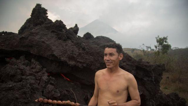 Humo del volcán